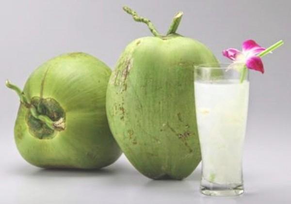 Manfaat Air Kelapa Untuk Kecantikan Dan Kesehatan.jpg