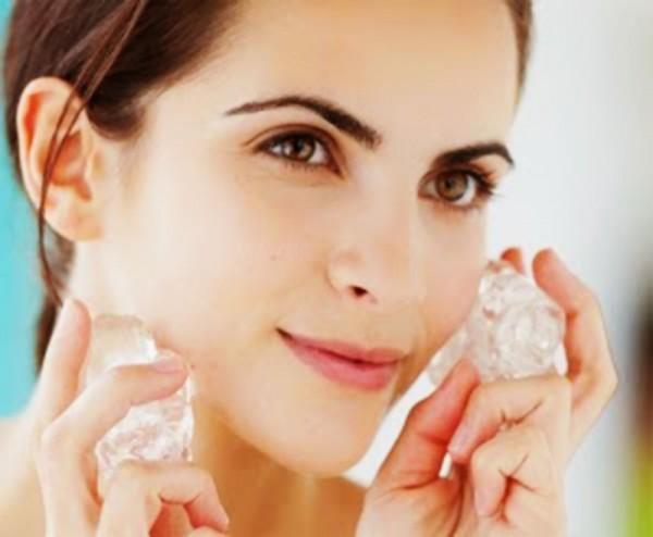 Menjaga Kecantikan Wajah Dengan Es Batu