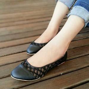 Flat Shoes OP02 Hitam, Putih & Merah