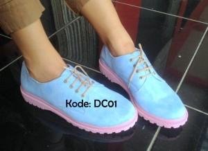 Kulakan Sepatu Docmart DC01 Original Biru Muda