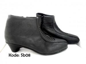 Sepatu Ankle Boots Wanita SB08