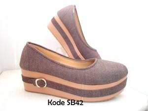 Sepatu Platform SB42 Trendy Kekinian