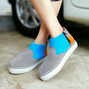 Boots Sepatu Cewek AP25 Suede Warna Gray
