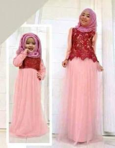 Couple Cewek Muslim Ibu dan Anak Pink Beautiful