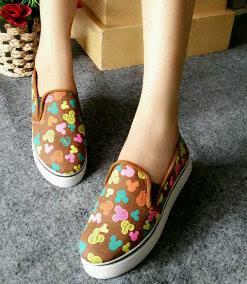 Sepatu Casual Mickey Mouse DD68